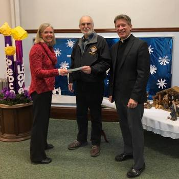 Knights of Columbus Council Donates to School