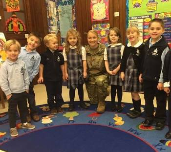 Julie Murray '03 Reads to Kindergarteners on Veteran's Day 2017
