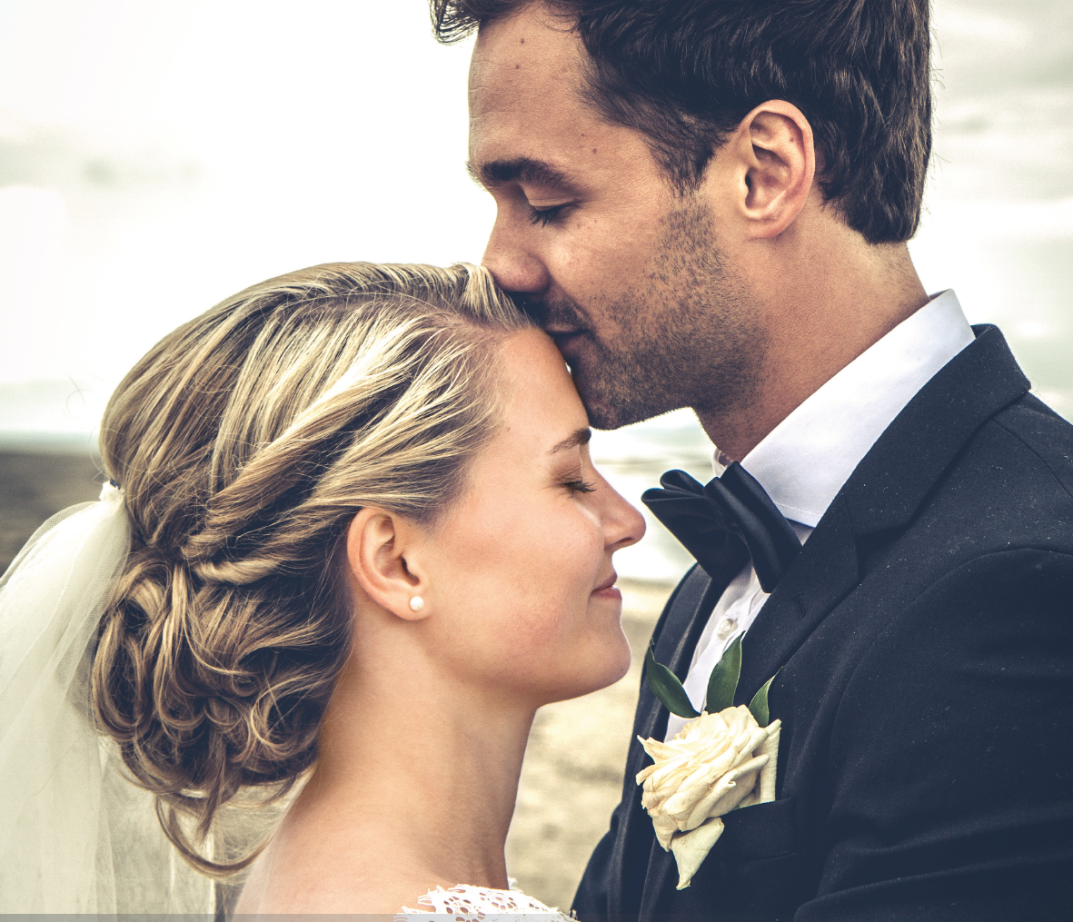 ~ WITNESS TO LOVE ~    A Model of Marriage Preparationand Renewal