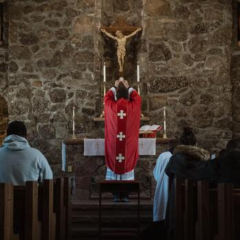 Ad Orientem - To the East