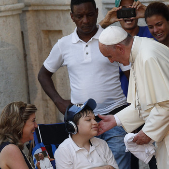 Pope: Jesus' Love Changes People, Enables Them To Love Others