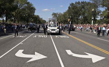 Shouts, Waves Greet Papal Motorcade During A Brief Trip Around Ellipse