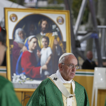 Pope To Families At Closing Mass: Serve, Care For Each Other