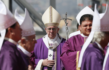 In Crime-Plagued Periphery, Pope Preaches Conversion
