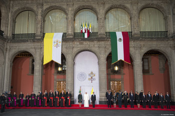 Mexican Politicians Eager To Show Themselves Meeting Pope Francis
