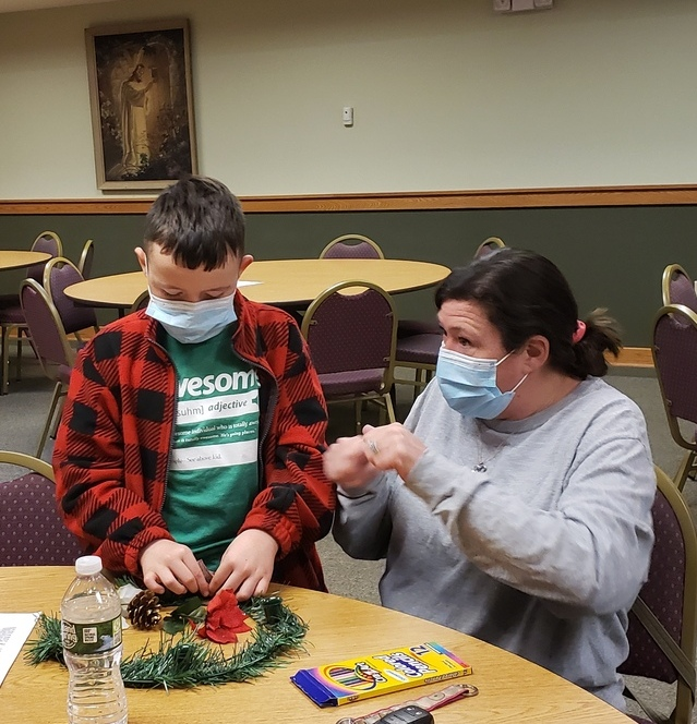 Religious Education 5th Grade Makes Advent Wreaths