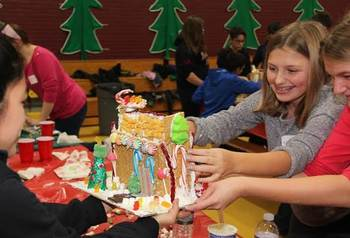 Photos from the Youth Ministry Gingerbread House Event!