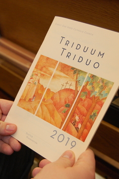 2019 Christ Our Hope Triduum / Triduo Liturgy Aid