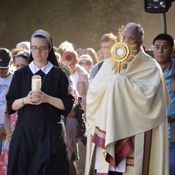 Catholic pilgrims make 9-mile walk in New Jersey, praying for spiritual renewal