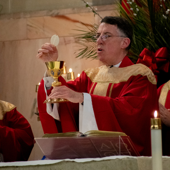 Metuchen Bishop tells local Catholics, 'no one and no thing can separate us from Christ'