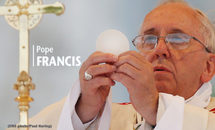 Pope: Don't rush through silent moments at Mass