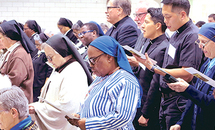 'Light' emitted by consecrated leads world to Jesus