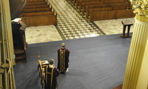 Inside a cavernous cathedral, a Mass for a virtual congregation