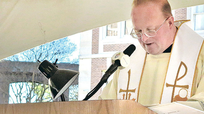 Bible 'marathon' at Notre Dame Seminary spreads the sacred word