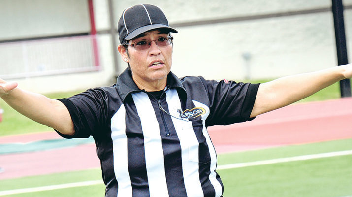 That's no mirage – the lady is a football official