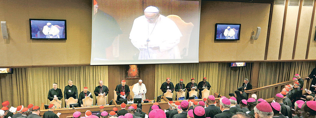 Pope asks bishops, young people to drop prejudices