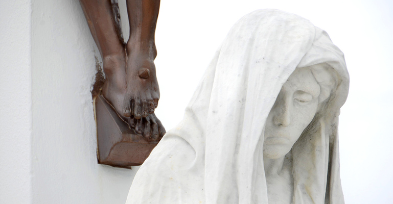 Cemetery photo contest yields riveting images
