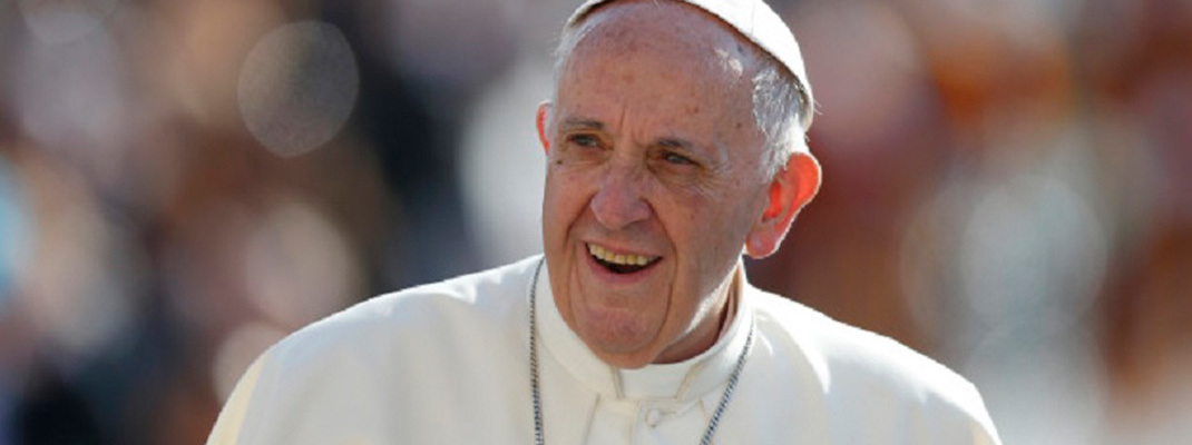 Pope has common cold, unrelated to other illnesses