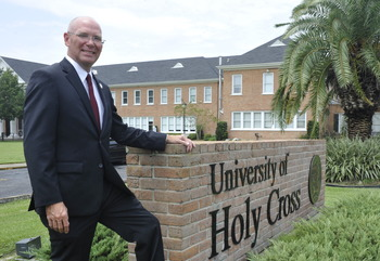 Catholic high school students can take dual-enrollment classes at UHC
