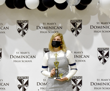 St. Mary's Dominican honors athletes with Lou Reilly award