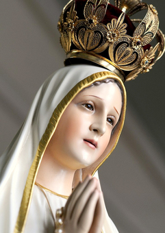 Our Lady brings peace to a trouble world