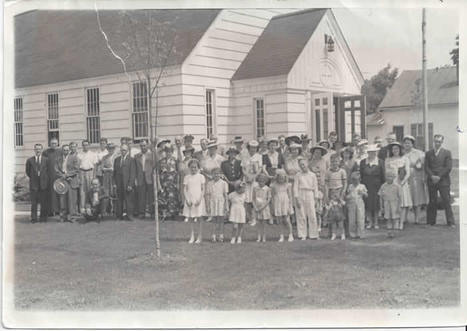 Image of the St. Mary's Congregation in 1943 historical archives.