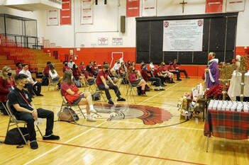 Students, staff learn to be flexible, focused despite challenges