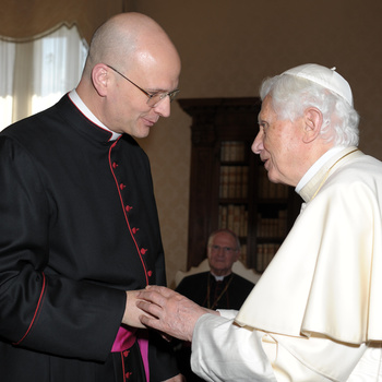 Bishop Weisenburger to make historic trip to Vatican, Pope Francis