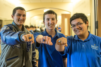 Founding juniors receive class rings