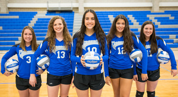 Volleyball opens district play undefeated, will host first Senior Night