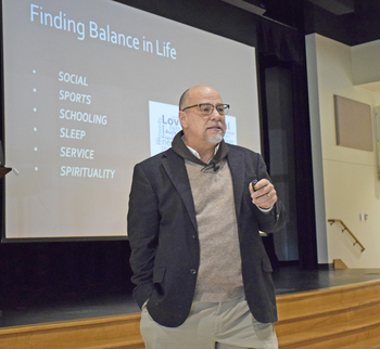 Expert Speaks to Students About Brain Development