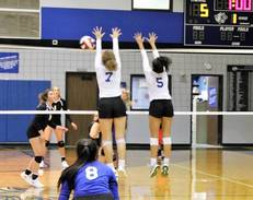 Varsity Volleyball Named to Houston Private School Top 10