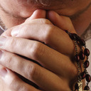 Bishops call faithful to 54-day rosary novena for peace, family