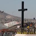 In silence, pope remembers those who cross border