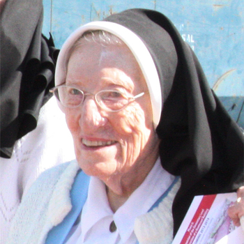 Sister Agnes Marie Tengler '43 to receive President's Leadership Award