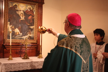 Bishop dedicates Queenship of Mary at Christ the King parish