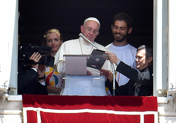 World Youth Day registration begins; pope is first to sign up