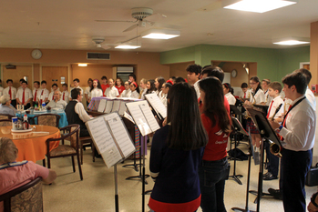 Schools band and choir  <br />perform at Mount Carmel Home