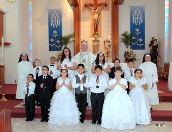 Students from St. Anthony receive first Communion