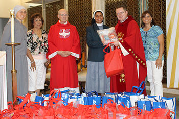 Mother Teresa Shelter receives food from disabled community