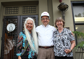 Catholic Charities meet and greet, unveil plaque at new site