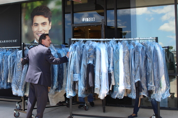 Men's Warehouse and Catholic Charities help men suit up for job interviews