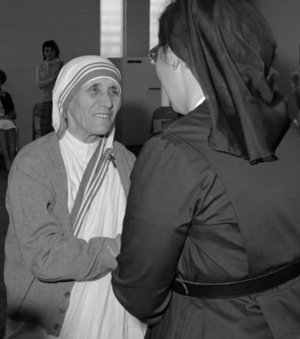 Meeting two saints is thrill <div>   of a lifetime for Sister Gloria </div>