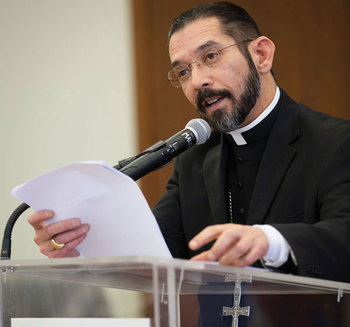 Texas bishops decry state's  <br />new immigration law
