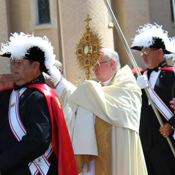Bishop gives public witness on Feast Day of Corpus Christi
