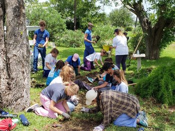 Austin students spent summer mission in Austwell