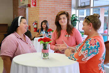 IWA welcomes back parents during School Social