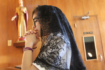Veiling for Mass sees local resurgence