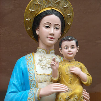 Honoring Mary Mass in Vietnamese