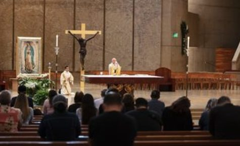 Archbishop Gomez celebrates first public Mass since shutdown